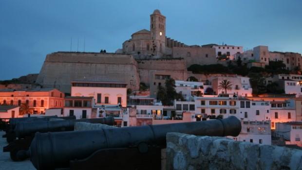 Sobre Nosotros - Ibiza Kosta Services